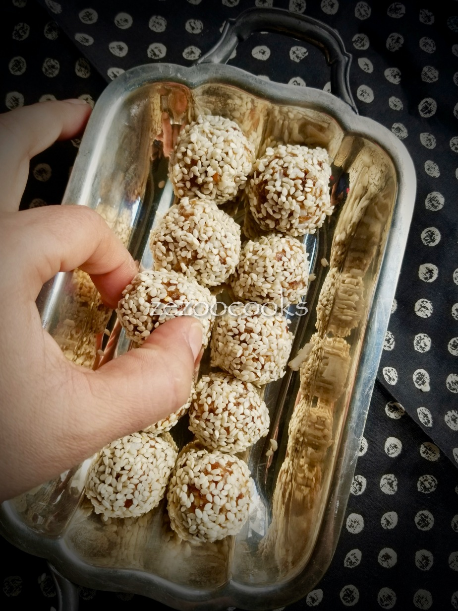 """Easy and Wildly Inauthentic """"Tilgul"""" (dairy-free, gluten-free sesame energybites)"""