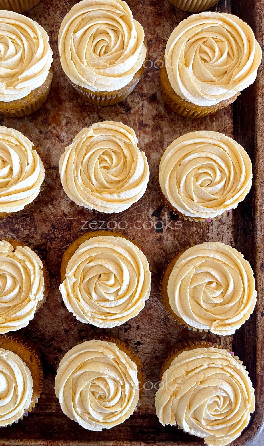 Vegan whole wheat mango cupcakes with vegan mangofrosting